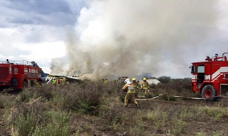 In Mexico; Aeroplane Crashes in Durango After Take-off