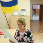 Ukrainian leader seeks backing to fight corruption in vote