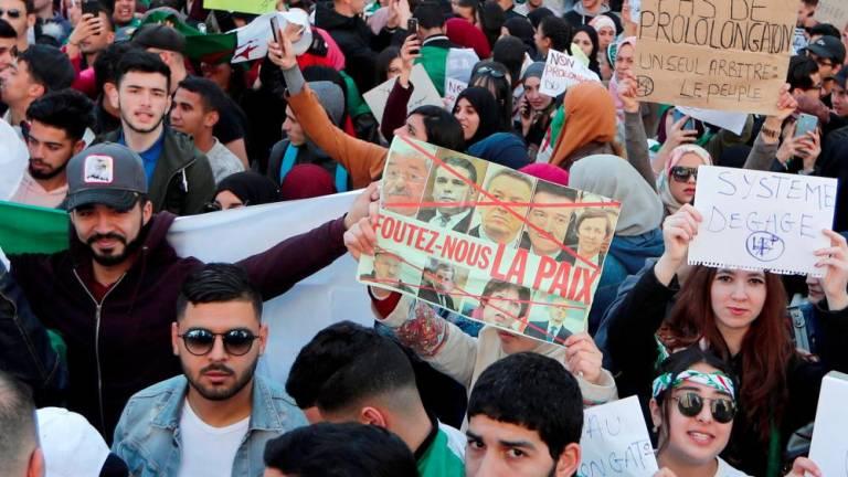 Algerian protesters denounce Dec.12 presidential polls