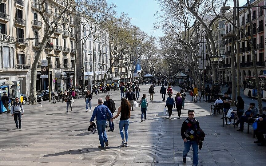 Spain announces lockdown after reporting 1,500 new coronavirus cases in a day