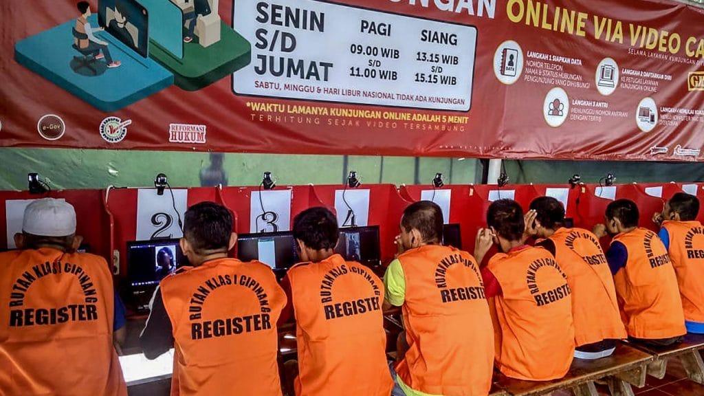 Indonesia frees 18,000 Prisoners from bursting jails over virus fears