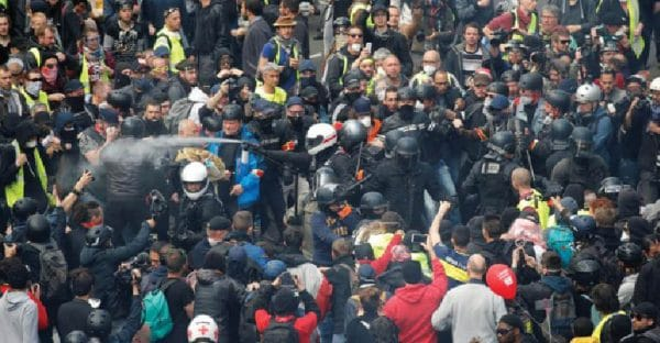 Police clash with residents in Paris suburbs amid lockdown
