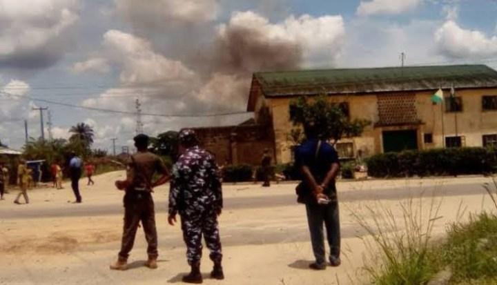 Nigeria - Prisoners Protest, Set Prison on Fire Over Controversial Amnesty in Delta