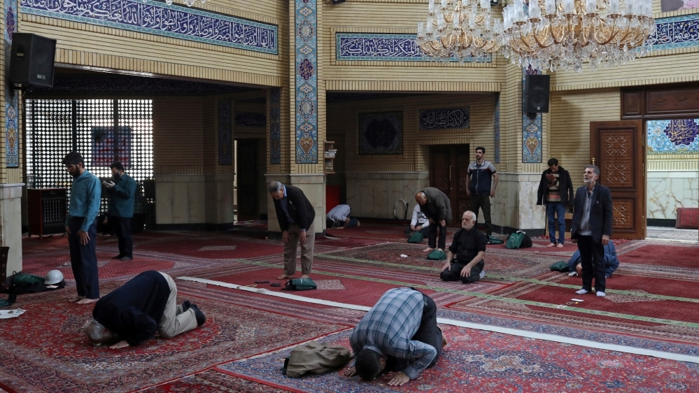 In Iran - All mosques to reopen on Tuesday