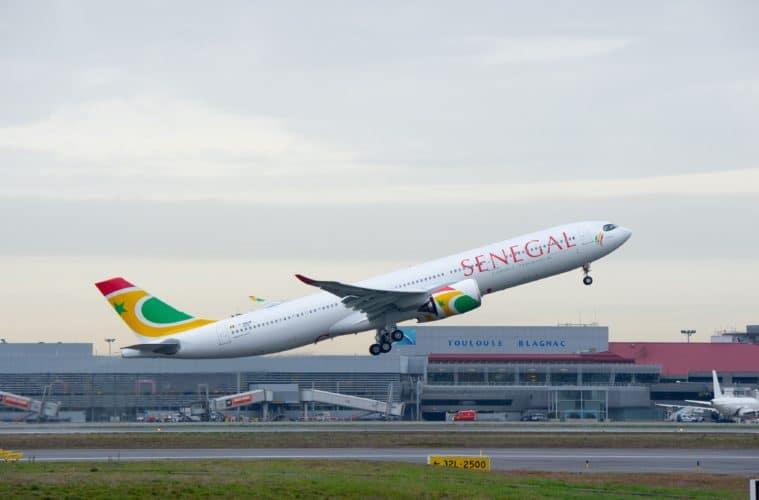 Senegal resumes international flights after four months