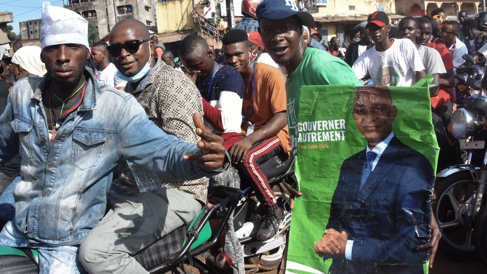 Guineans Votes in Tense presidential election as 82-year-old incumbent Conde seeks third term