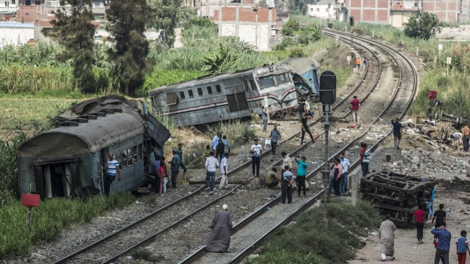 Egypt on Saturday buried the first victims of a train collision that left at least 19 people dead and 185 injured in the south of the country, where an investigation has been launched to
